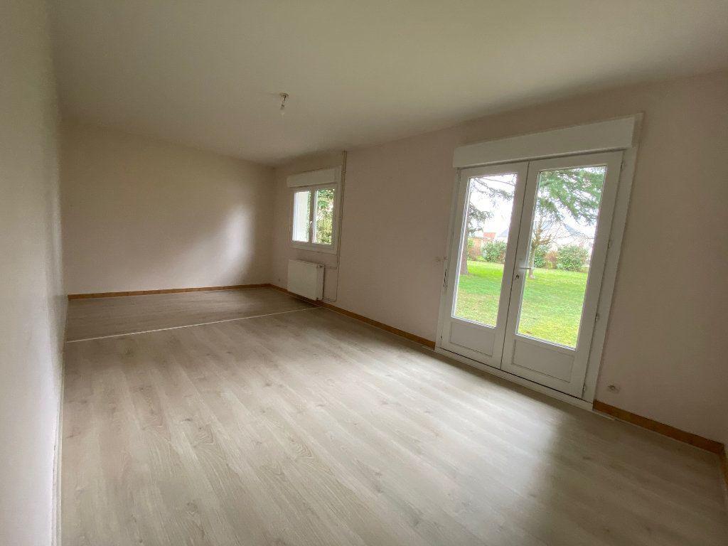 Maison à louer 6 152.41m2 à Saint-Pryvé-Saint-Mesmin vignette-5