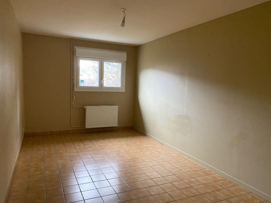 Maison à louer 6 152.41m2 à Saint-Pryvé-Saint-Mesmin vignette-6
