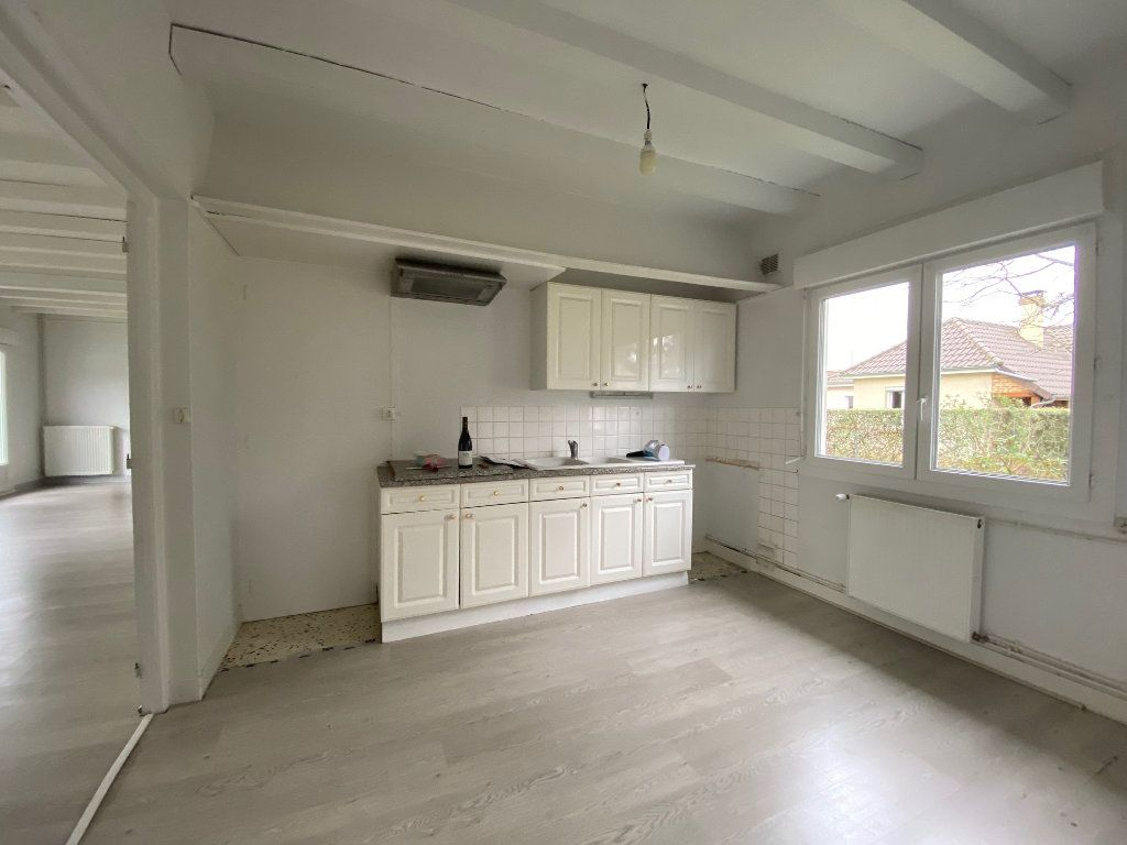 Maison à louer 6 152.41m2 à Saint-Pryvé-Saint-Mesmin vignette-7