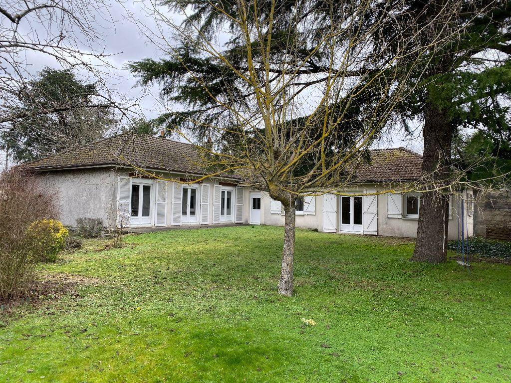 Maison à louer 6 152.41m2 à Saint-Pryvé-Saint-Mesmin vignette-8