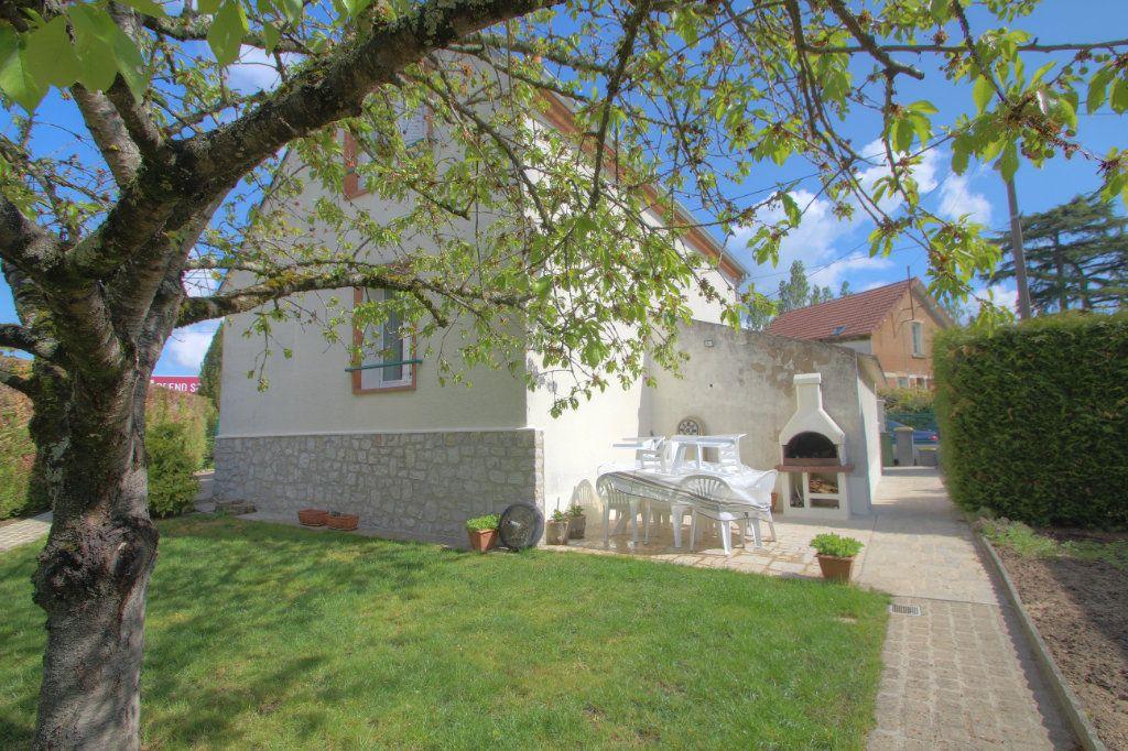 Maison à vendre 5 106.66m2 à Saint-Jean-de-Braye vignette-1