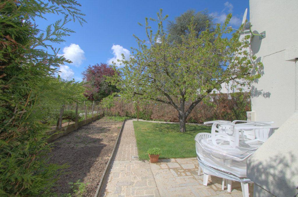 Maison à vendre 5 106.66m2 à Saint-Jean-de-Braye vignette-3