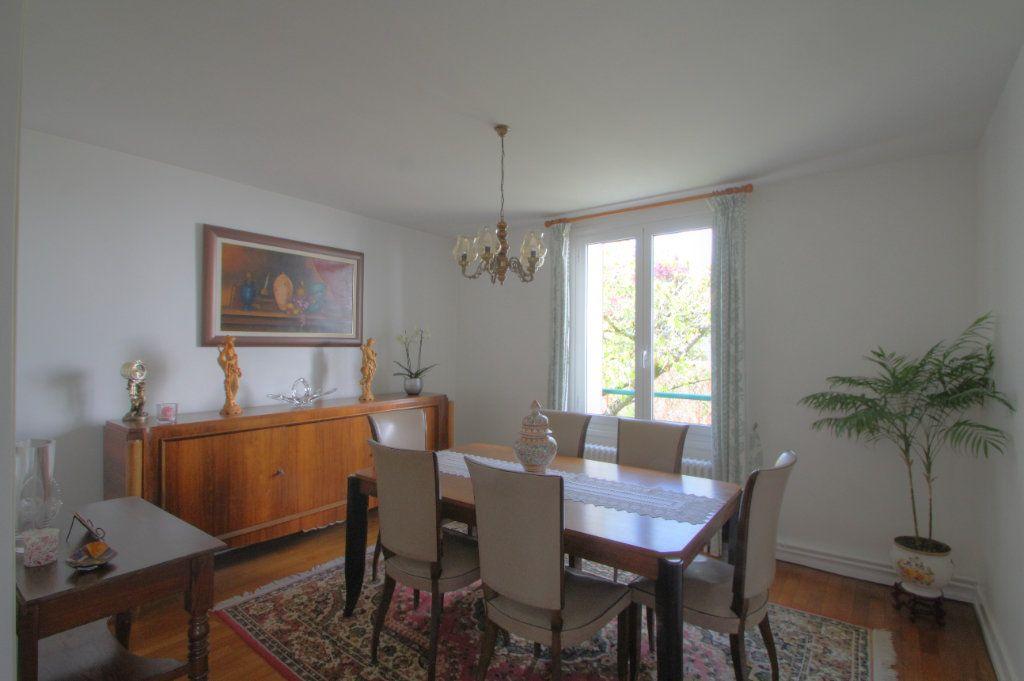 Maison à vendre 5 106.66m2 à Saint-Jean-de-Braye vignette-5