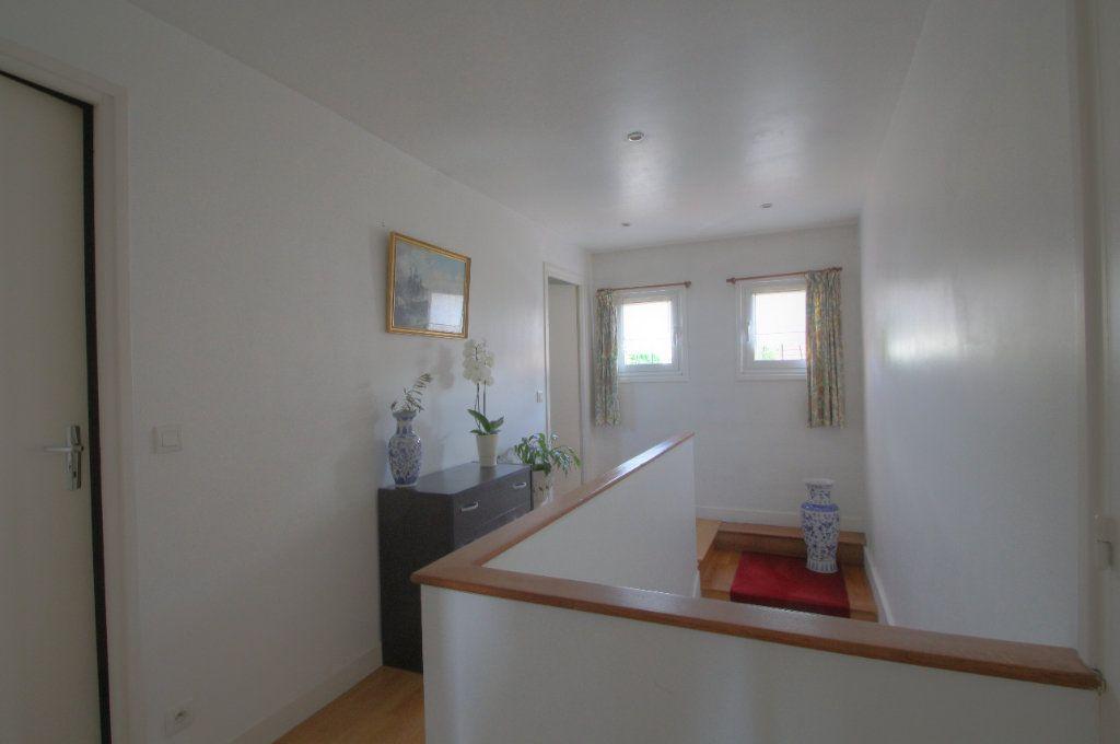 Maison à vendre 5 106.66m2 à Saint-Jean-de-Braye vignette-6