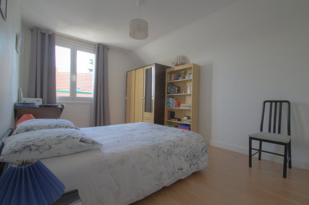 Maison à vendre 5 106.66m2 à Saint-Jean-de-Braye vignette-8