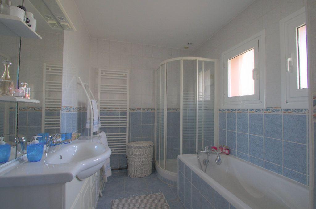 Maison à vendre 5 106.66m2 à Saint-Jean-de-Braye vignette-12