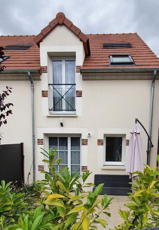 Maison à vendre 3 68.4m2 à Fleury-les-Aubrais vignette-1