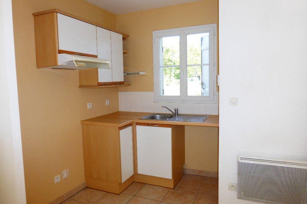 Maison à louer 3 57.61m2 à Orléans vignette-4
