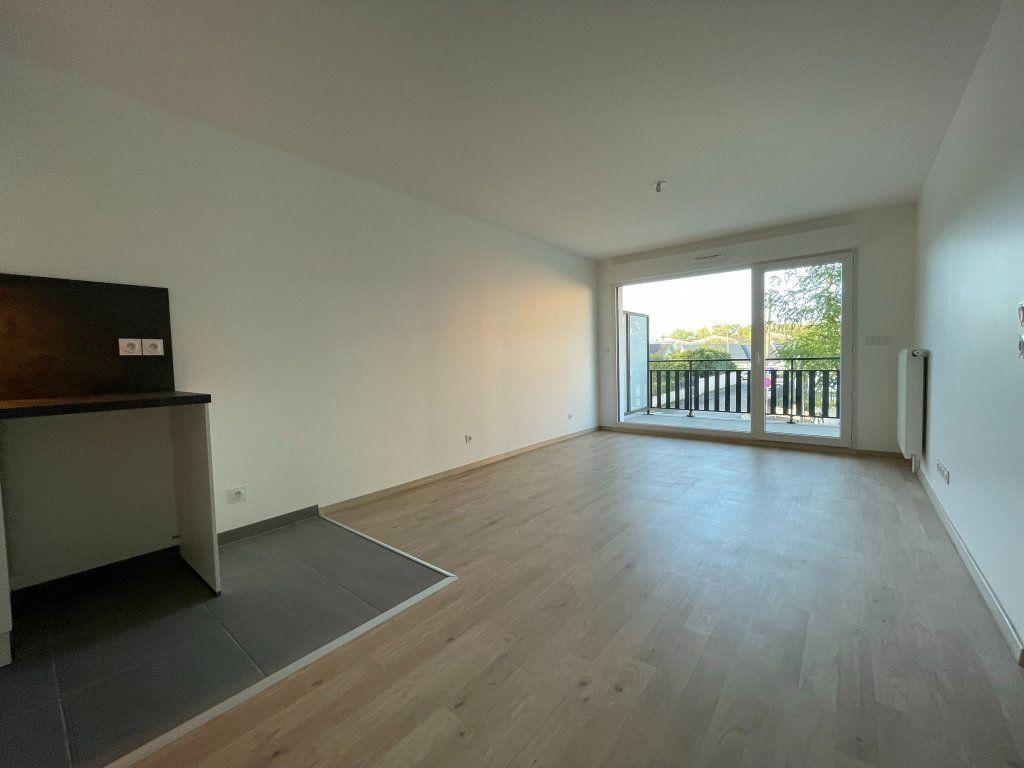 Appartement à louer 2 44.89m2 à Saint-Jean-de-la-Ruelle vignette-2