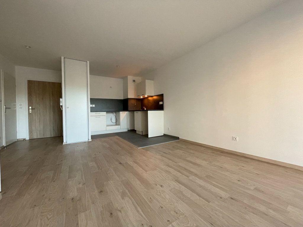 Appartement à louer 2 44.89m2 à Saint-Jean-de-la-Ruelle vignette-3