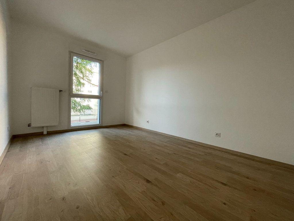 Appartement à louer 2 44.89m2 à Saint-Jean-de-la-Ruelle vignette-4