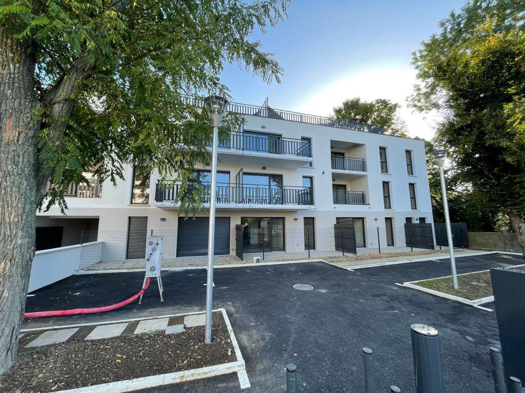 Appartement à louer 2 44.89m2 à Saint-Jean-de-la-Ruelle vignette-9