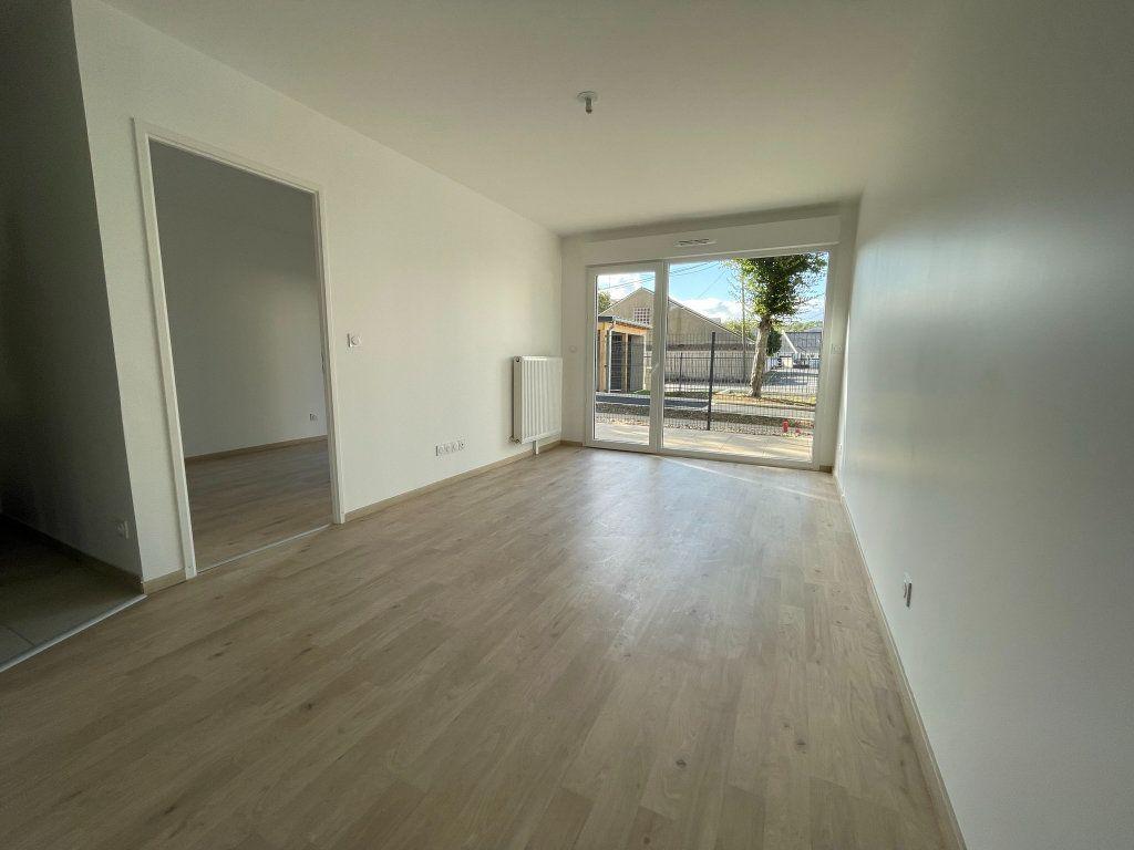 Appartement à louer 2 44.52m2 à Saint-Jean-de-la-Ruelle vignette-2