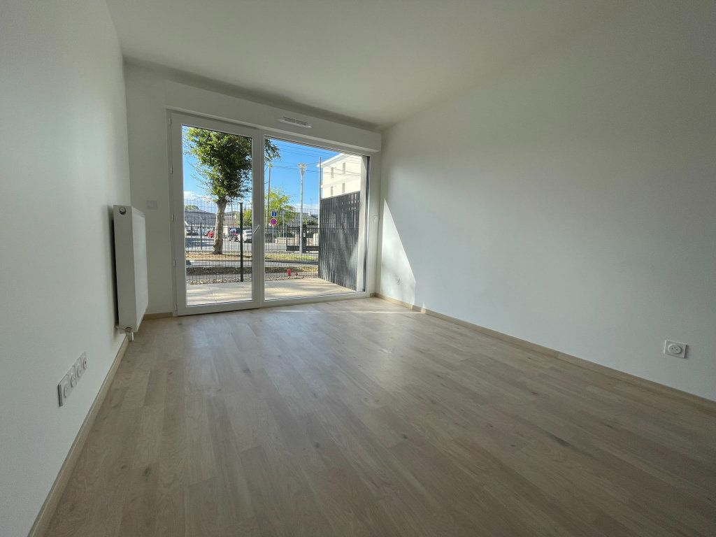 Appartement à louer 2 44.52m2 à Saint-Jean-de-la-Ruelle vignette-6