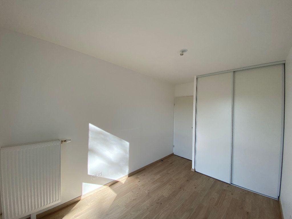 Appartement à louer 3 61.81m2 à Saint-Jean-de-la-Ruelle vignette-7
