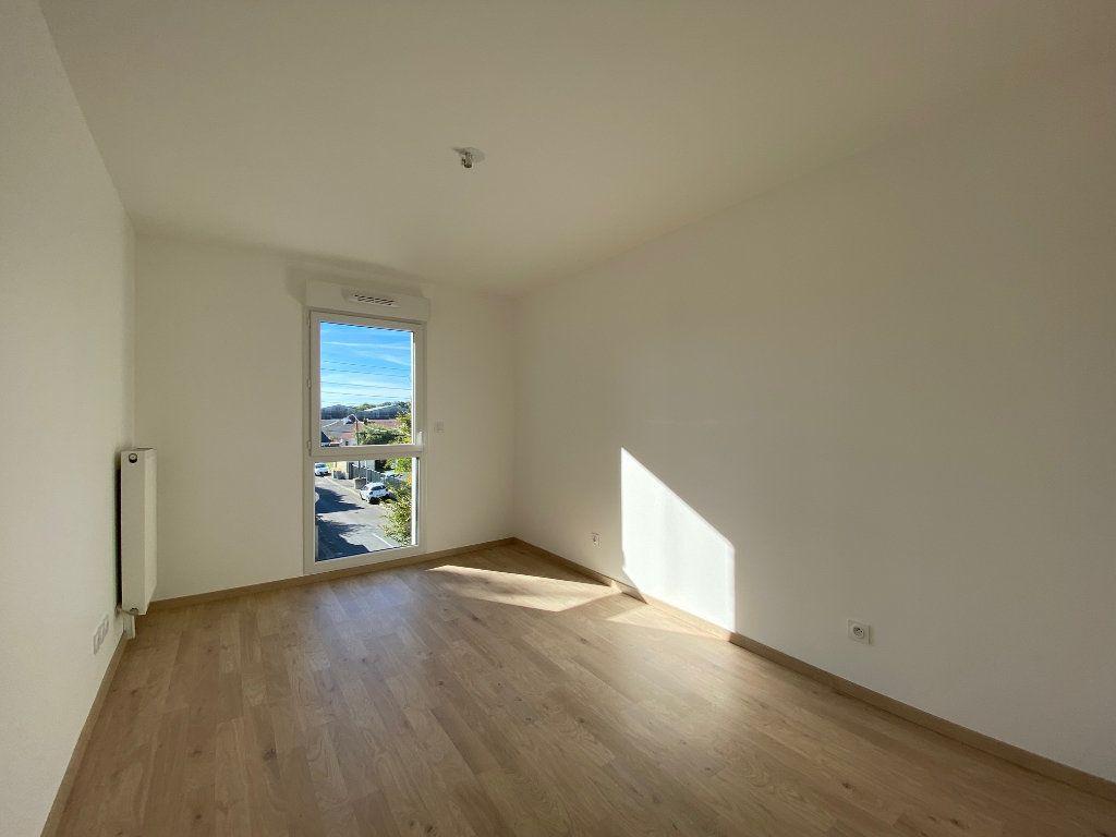 Appartement à louer 3 61.81m2 à Saint-Jean-de-la-Ruelle vignette-8