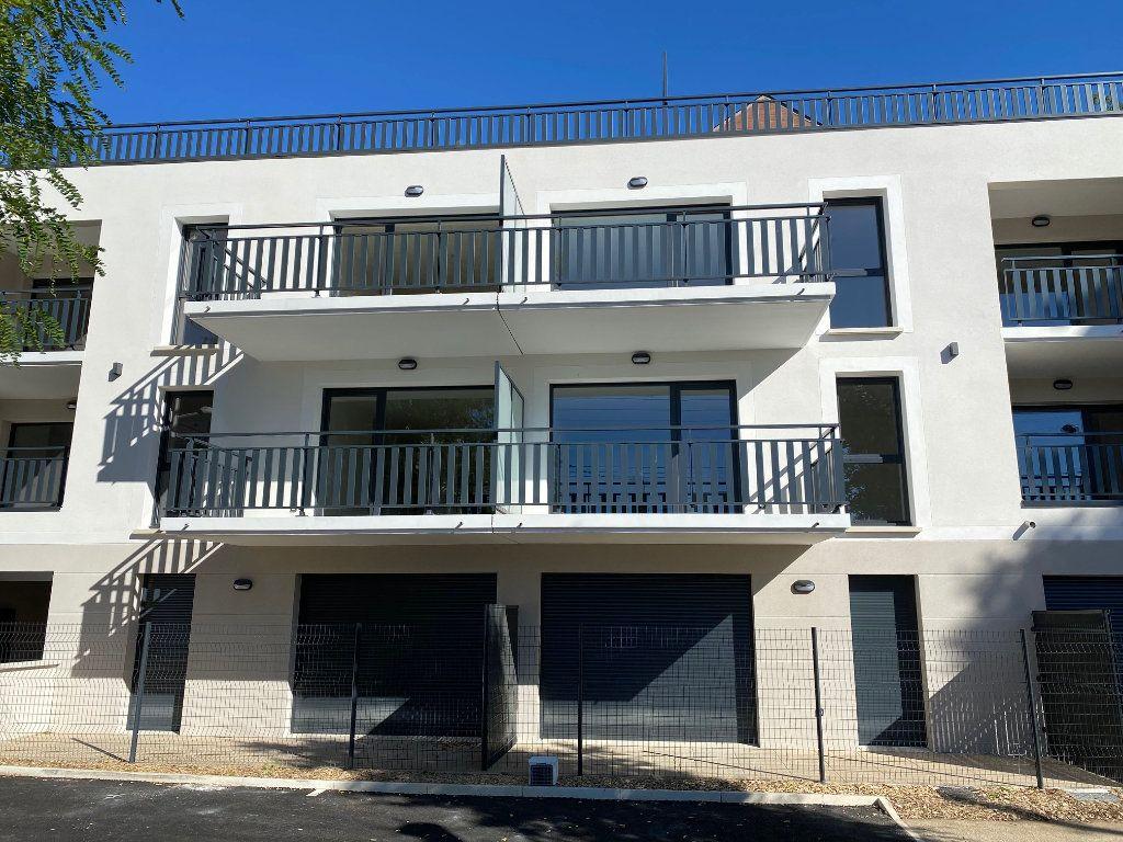 Appartement à louer 3 61.81m2 à Saint-Jean-de-la-Ruelle vignette-12