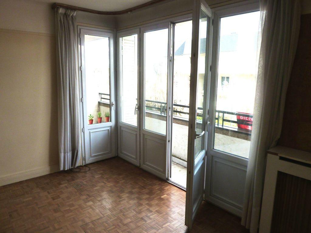 Appartement à louer 2 51m2 à Joinville-le-Pont vignette-3