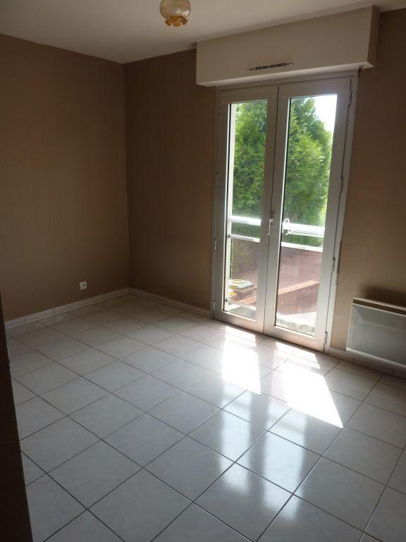 Appartement à louer 2 40m2 à Pontault-Combault vignette-3