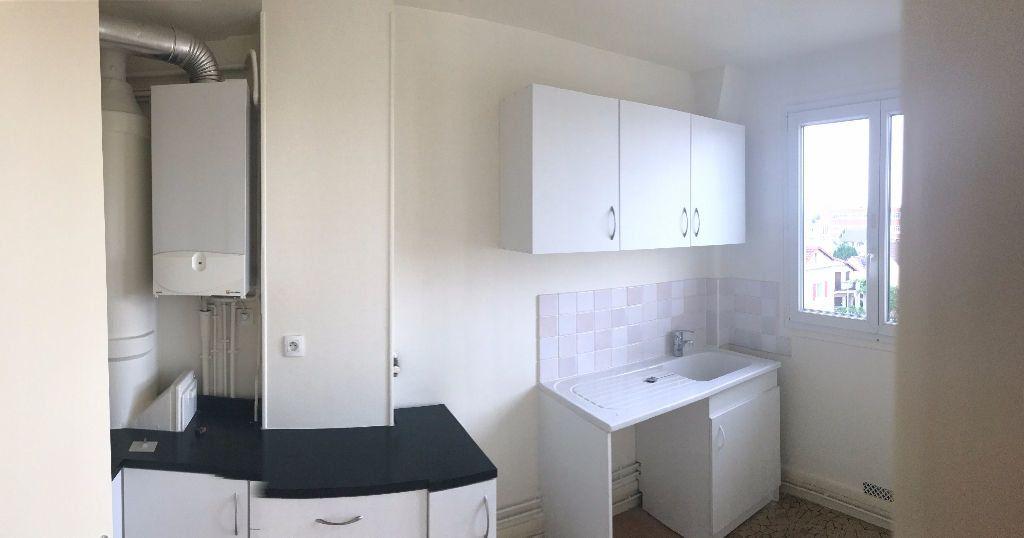 Appartement à louer 2 34.17m2 à Joinville-le-Pont vignette-3
