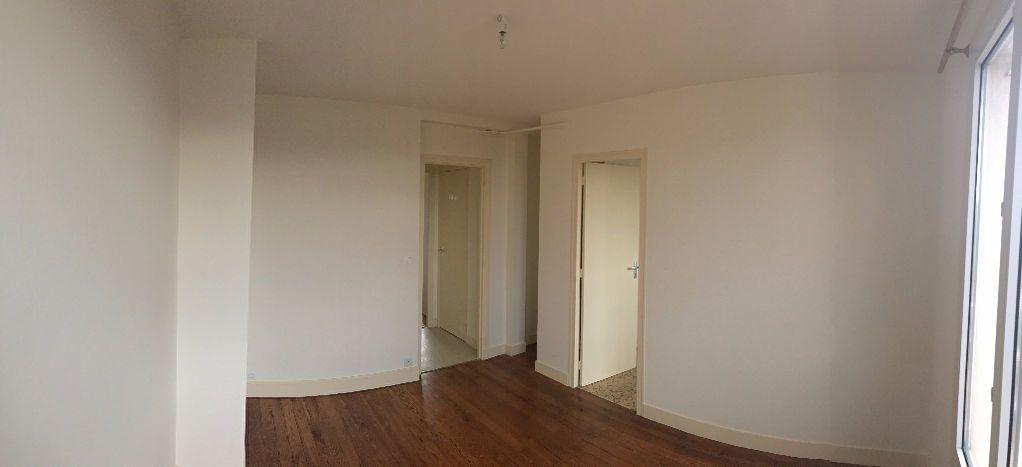 Appartement à louer 2 34.17m2 à Joinville-le-Pont vignette-5