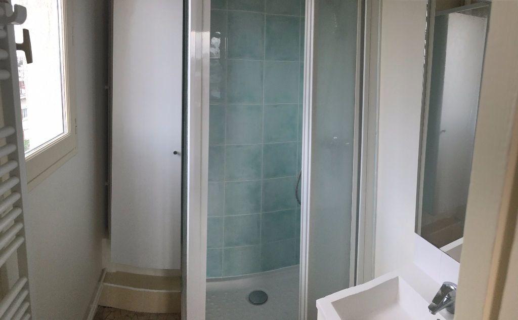 Appartement à louer 2 34.17m2 à Joinville-le-Pont vignette-8