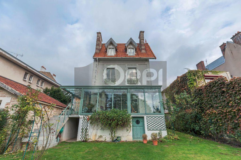Maison à vendre 6 140m2 à Joinville-le-Pont vignette-1