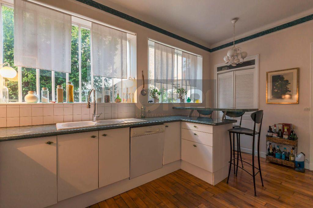 Maison à vendre 6 140m2 à Joinville-le-Pont vignette-8