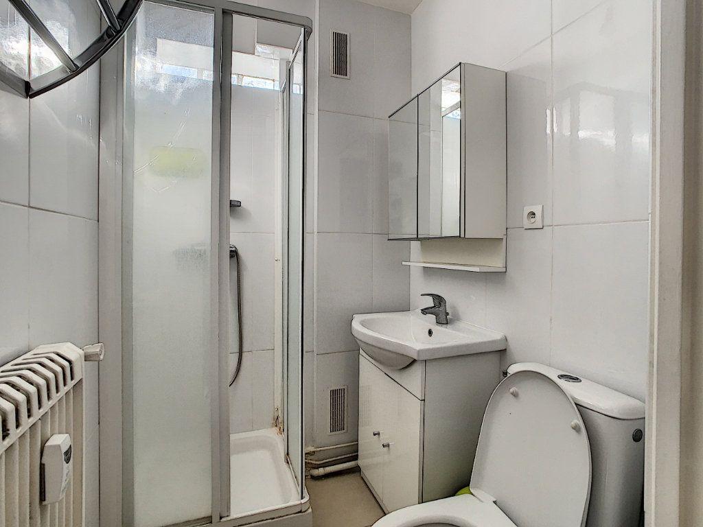 Appartement à louer 1 16.77m2 à Saint-Maur-des-Fossés vignette-6
