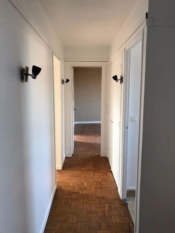Appartement à louer 3 58.21m2 à Joinville-le-Pont vignette-2