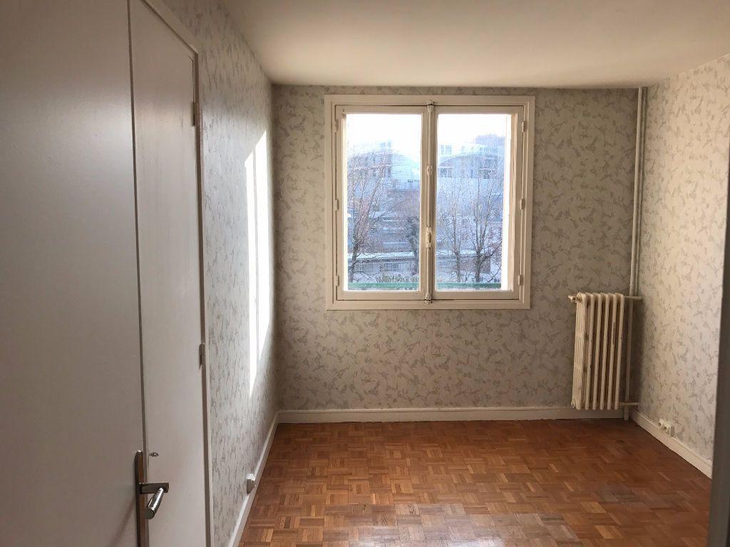 Appartement à louer 3 58.21m2 à Joinville-le-Pont vignette-5