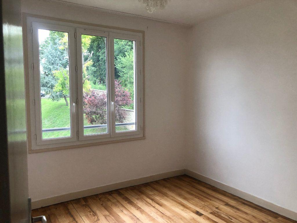 Appartement à louer 4 63.68m2 à Champigny-sur-Marne vignette-9
