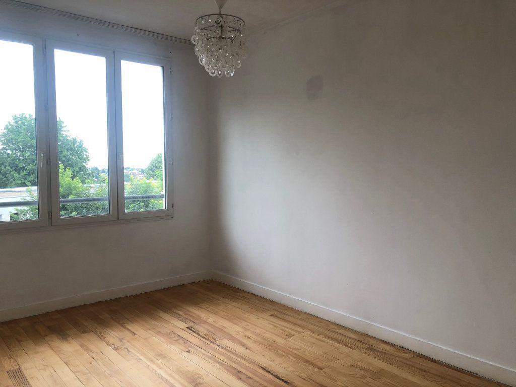 Appartement à louer 4 63.68m2 à Champigny-sur-Marne vignette-12
