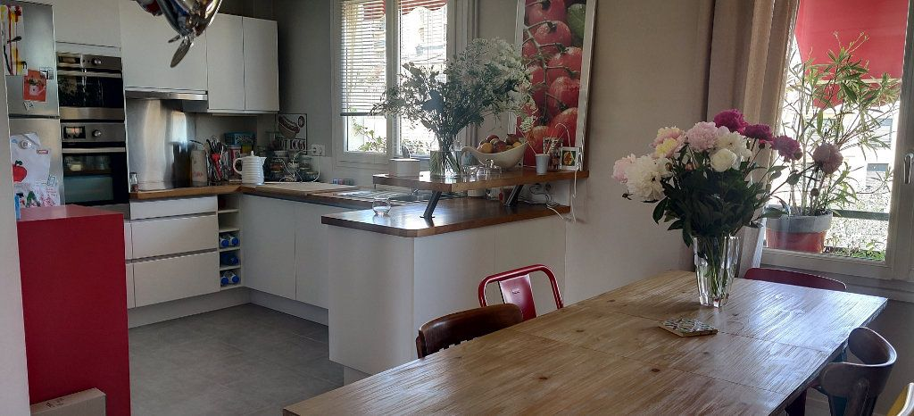 Appartement à vendre 5 74.03m2 à Joinville-le-Pont vignette-5