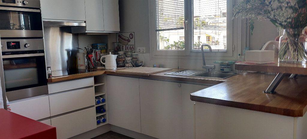 Appartement à vendre 5 74.03m2 à Joinville-le-Pont vignette-6