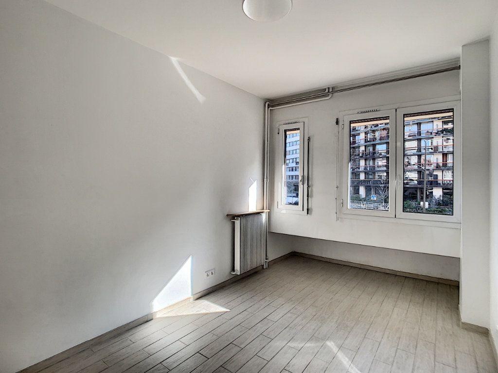 Appartement à louer 1 15.23m2 à Boulogne-Billancourt vignette-3