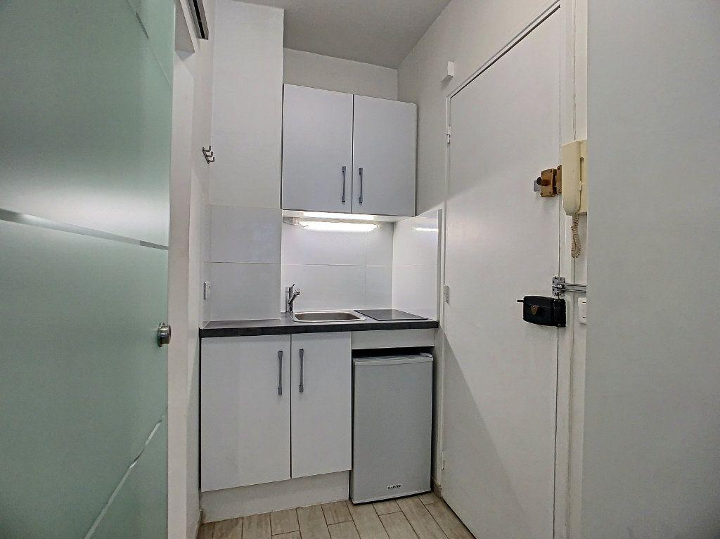 Appartement à louer 1 15.23m2 à Boulogne-Billancourt vignette-5