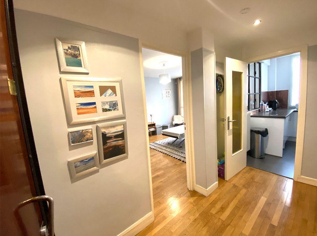 Appartement à vendre 3 63m2 à Maisons-Alfort vignette-2