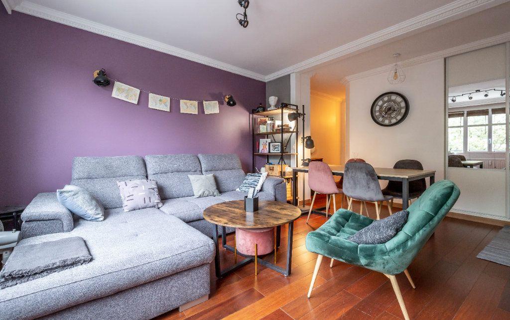 Appartement à vendre 3 56.33m2 à Saint-Maur-des-Fossés vignette-1