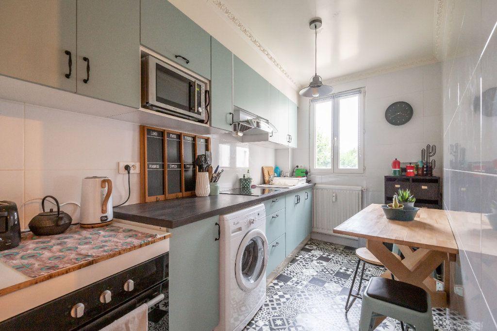 Appartement à vendre 3 56.33m2 à Saint-Maur-des-Fossés vignette-3