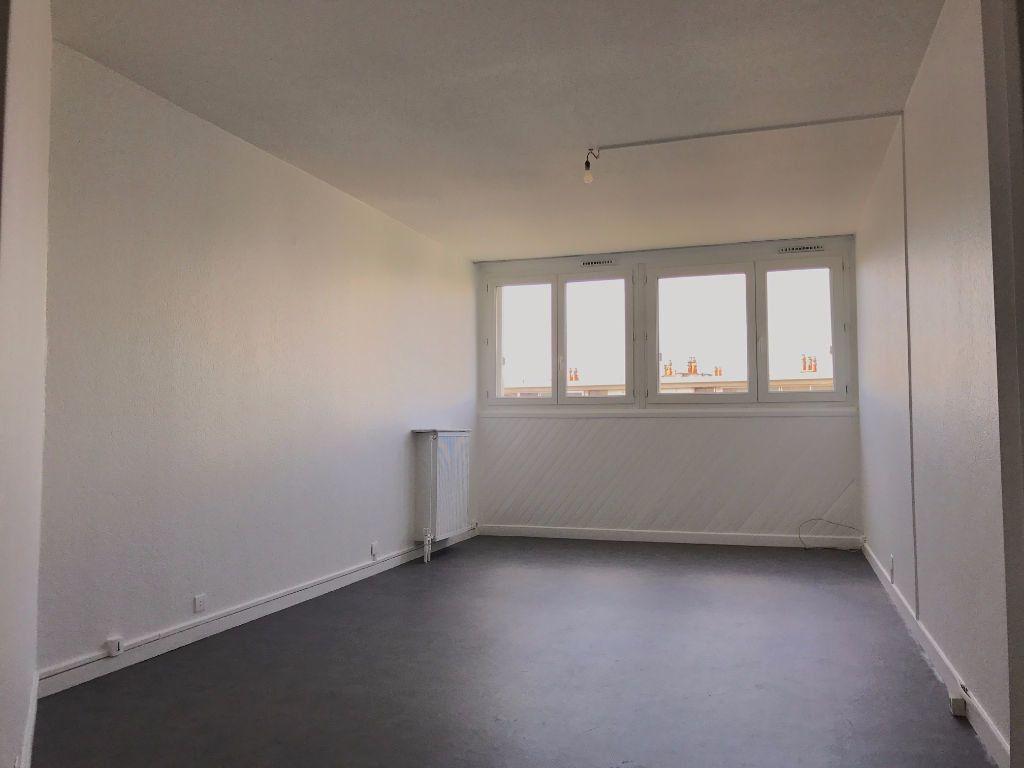 Appartement à louer 3 79.21m2 à Créteil vignette-5