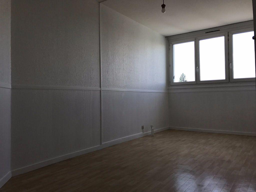 Appartement à louer 3 79.21m2 à Créteil vignette-7