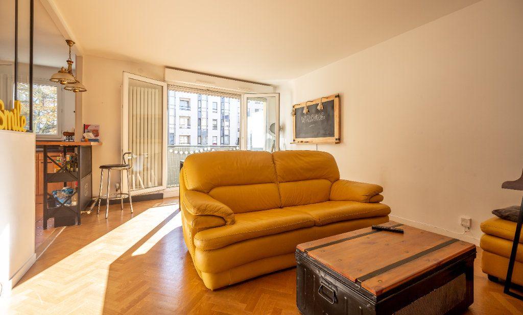Appartement à vendre 3 63m2 à Joinville-le-Pont vignette-1