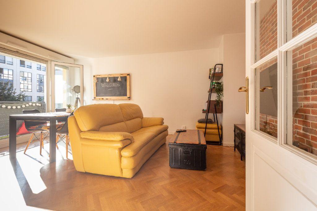 Appartement à vendre 3 63m2 à Joinville-le-Pont vignette-2