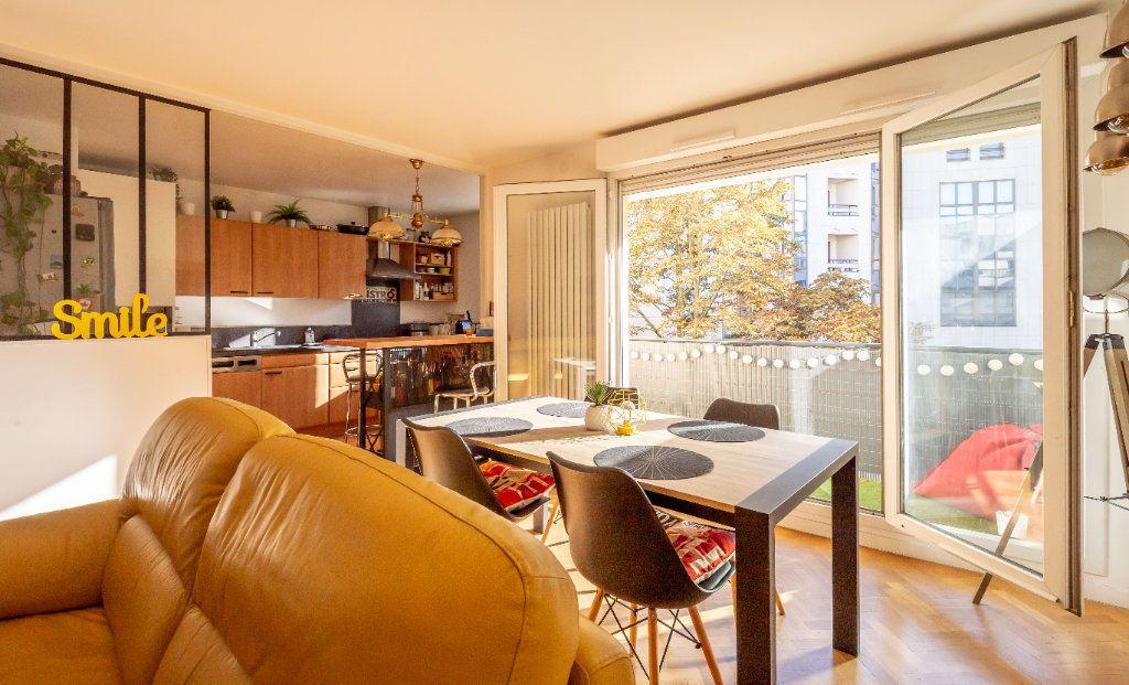 Appartement à vendre 3 63m2 à Joinville-le-Pont vignette-3