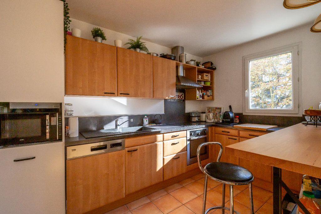 Appartement à vendre 3 63m2 à Joinville-le-Pont vignette-4
