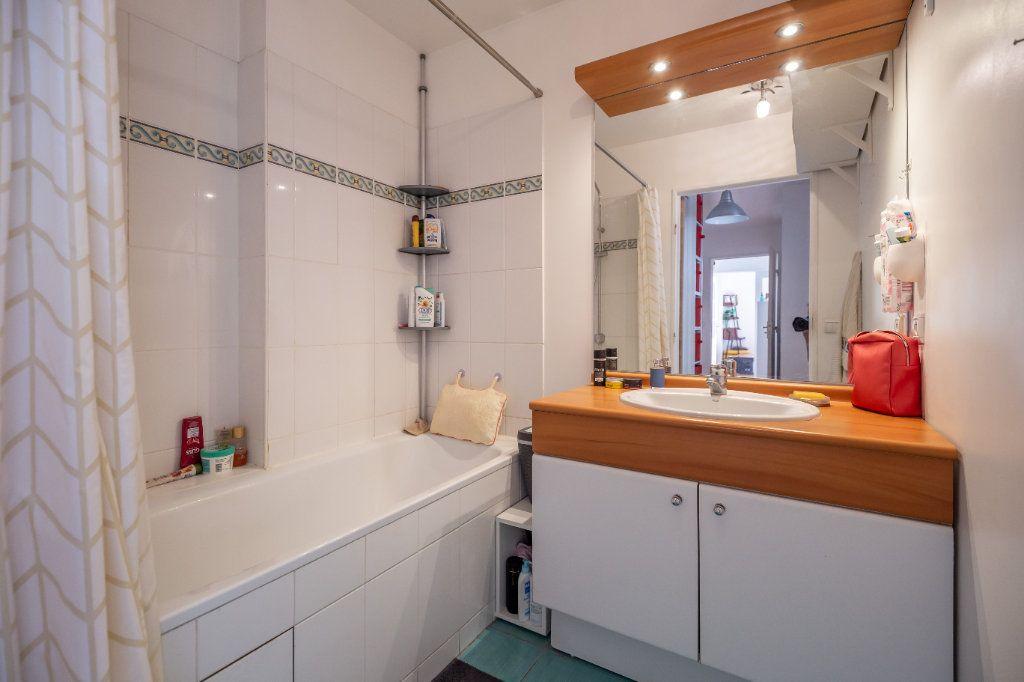 Appartement à vendre 3 63m2 à Joinville-le-Pont vignette-8