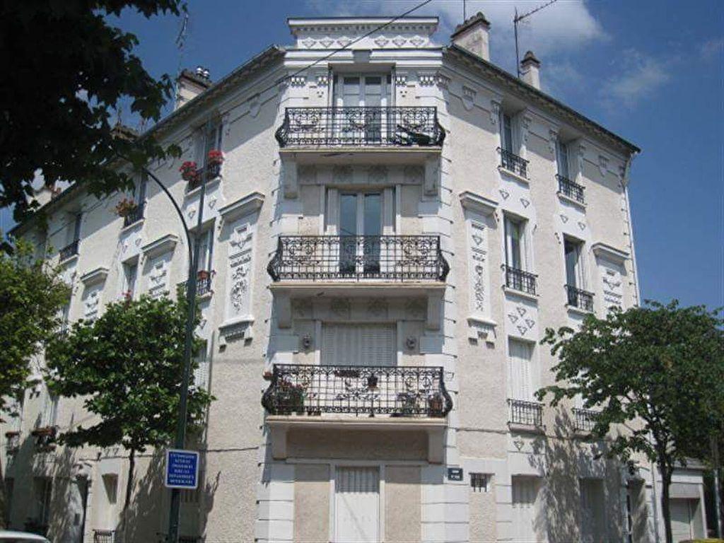 Appartement à louer 4 74.85m2 à Saint-Maur-des-Fossés vignette-1
