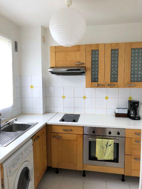 Appartement à louer 1 27.63m2 à Saint-Maur-des-Fossés vignette-3