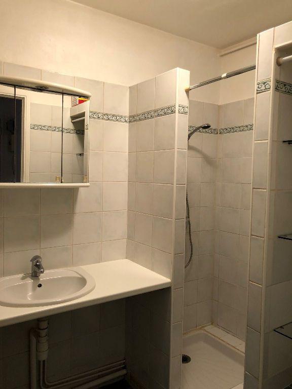 Appartement à louer 1 27.63m2 à Saint-Maur-des-Fossés vignette-4